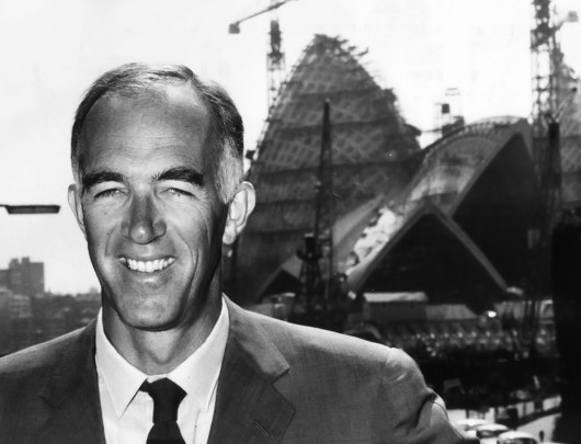 Happy Birthday Jørn Utzon Jørn Utzon in front of the Sydney Opera House during construction, 1965. Image Courtesy of Keystone/Getty Images
