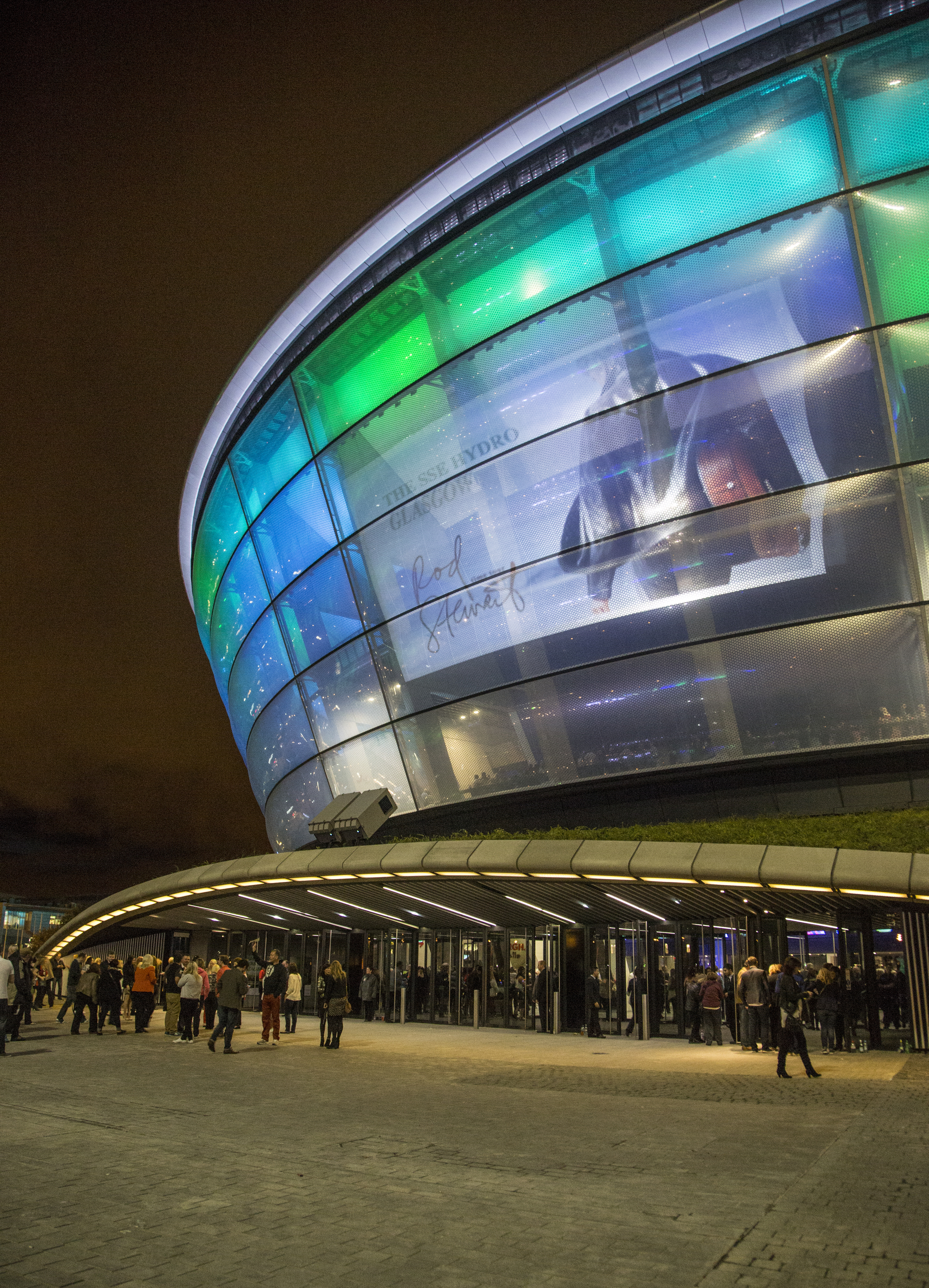 http://ad009cdnb.archdaily.net/wp-content/uploads/2014/04/53504b4fc07a808d67000004_foster-partners-sse-hydro-arena-features-translucent-skin-innovative-seating-system_3r1a6808.jpg
