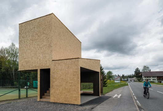 http://ad009cdnb.archdaily.net/wp-content/uploads/2014/05/5374a2a3c07a806f5b0000a3_bus-stop-unveils-7-unusual-bus-shelters-by-world-class-architects__dsc6918-530x362.jpg