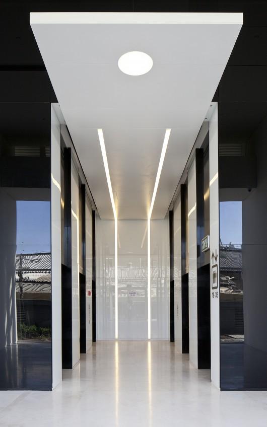 Corridor Roof Design: B.S.R 3 / Yashar Architects