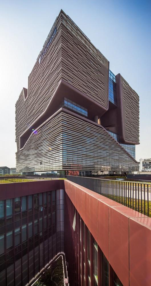 معماری دانشگاه ، معماری منحصر بفرد