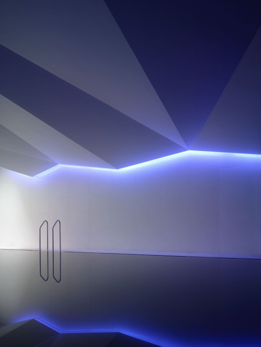 light matters creating walls of light archdaily. Black Bedroom Furniture Sets. Home Design Ideas