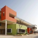 Jiangyin Primary & Secondary School / BAU Brearley Architects + Urbanists © Shu He