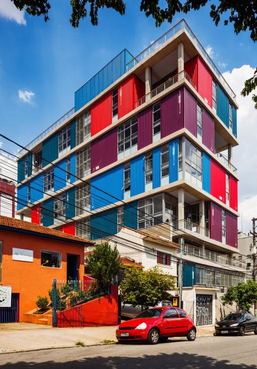 Box 298 building andrade morettin arquitetos associados for Andrade morettin