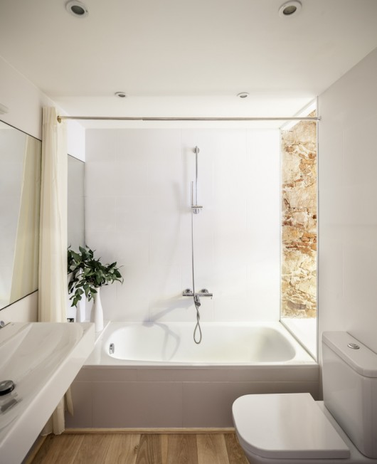 Renovate small bathroom