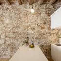 Reforma Interior de un apartamento en Les Corts / Sergi Pons © Adrià Goula