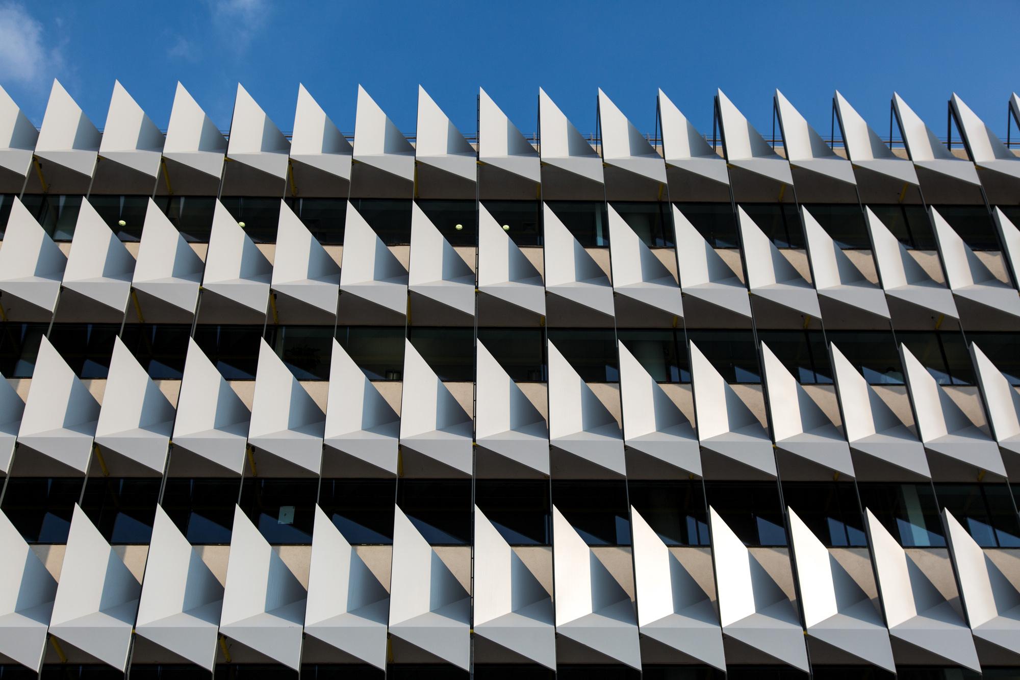 External shading adopted for façade design for Siemens Building in Masdar City