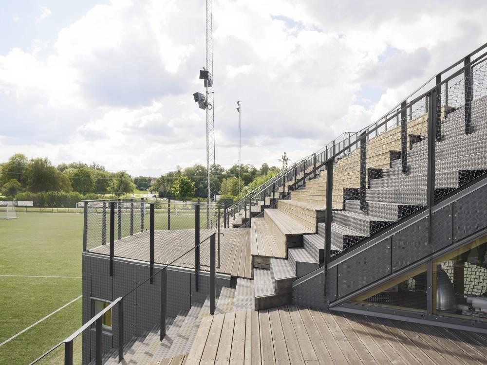 http://ad009cdnb.archdaily.net/wp-content/uploads/2014/09/54260e54c07a809a0e00019a_liding-vallen-small-football-stadium-dinelljohansson_lidingovallen_dj-2014-10b-mikaelolsson-1000x750.jpg