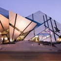 AD Round Up: Canadian Architecture to Be Thankful For The Crystal, extension to the Royal Ontario Museum by Studio Daniel Libeskind. Image © Andrew Rowat