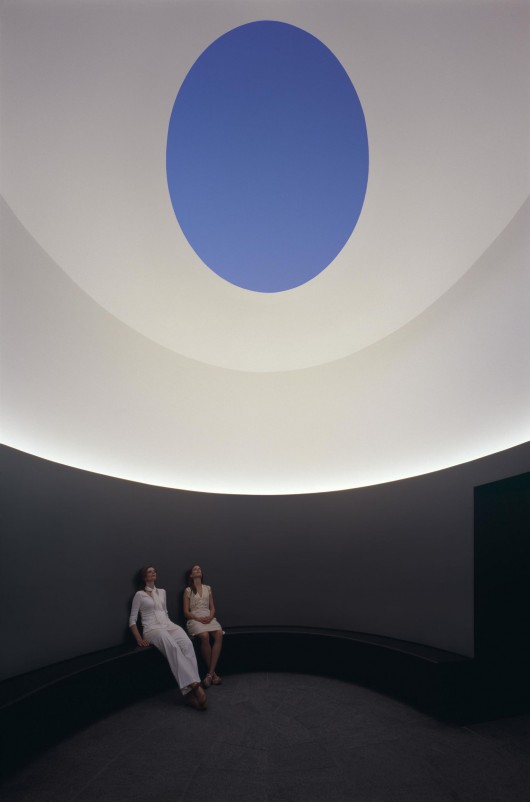 the color inside overland partners james turrell skyspace archdaily. Black Bedroom Furniture Sets. Home Design Ideas