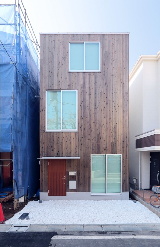 Design Your Own Home With Muji S Prefab Vertical House