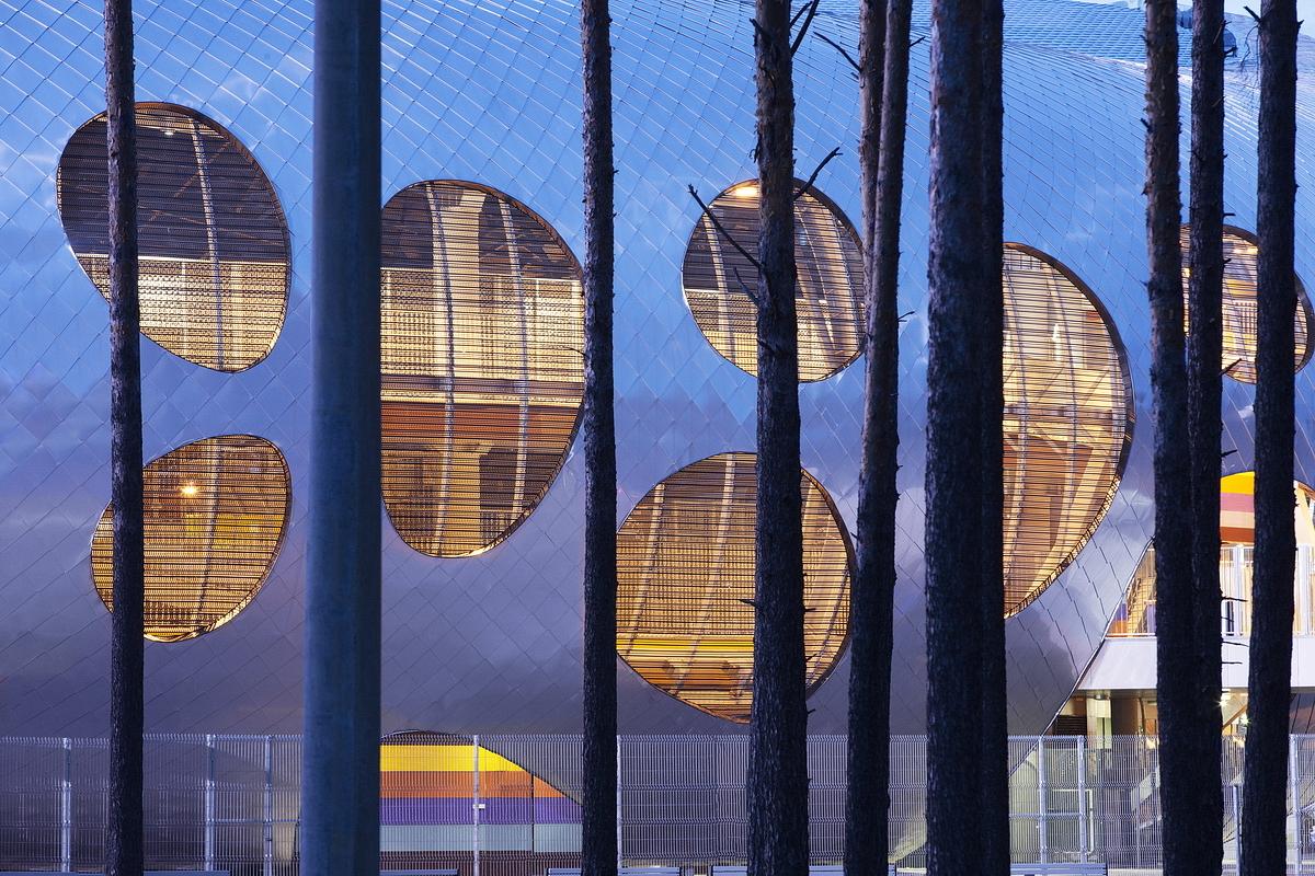 http://ad009cdnb.archdaily.net/wp-content/uploads/2014/10/544ebf5be58ece63a8000054_football-stadium-arena-borisov-ofis-architects_ofis_football-stadium-arena-borisov_foto_tomaz-gregoric_28_2.jpg