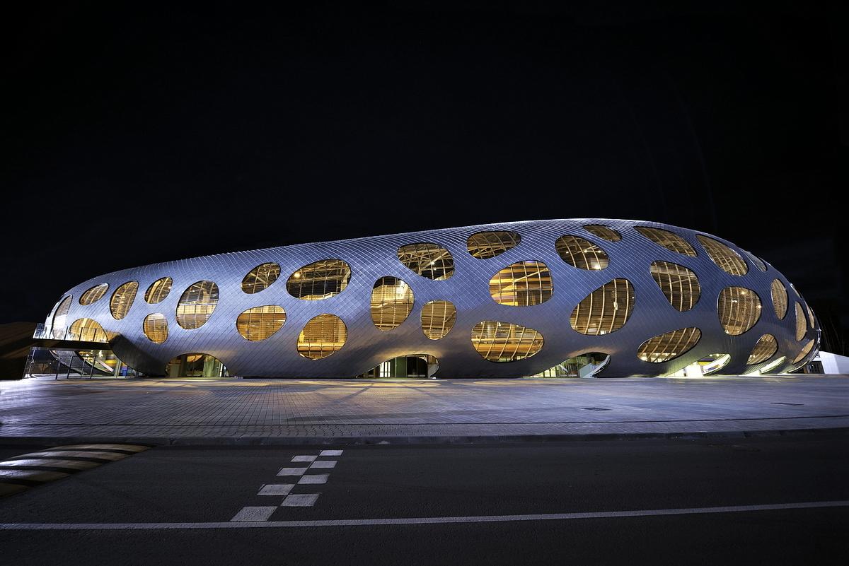 http://ad009cdnb.archdaily.net/wp-content/uploads/2014/10/544ebf68e58ece63a8000055_football-stadium-arena-borisov-ofis-architects_ofis_football-stadium-arena-borisov_foto_tomaz-gregoric_29.jpg