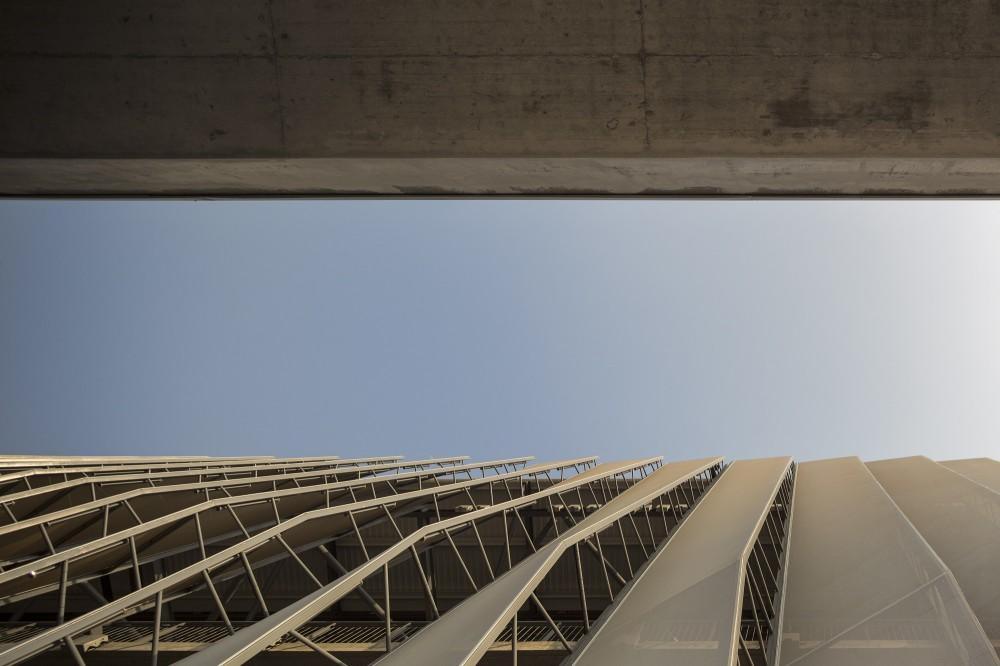 http://ad009cdnb.archdaily.net/wp-content/uploads/2014/10/5451a406e58ece3ef6000053_luanda-multisports-pavilion-berger-arquitectos_2f1c9935-1000x666.jpg