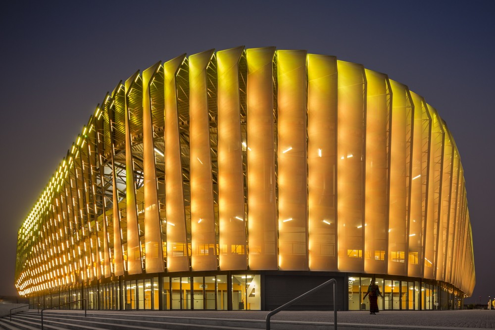 http://ad009cdnb.archdaily.net/wp-content/uploads/2014/10/5451a462e58ece4c08000067_luanda-multisports-pavilion-berger-arquitectos_noite02-1000x666.jpg