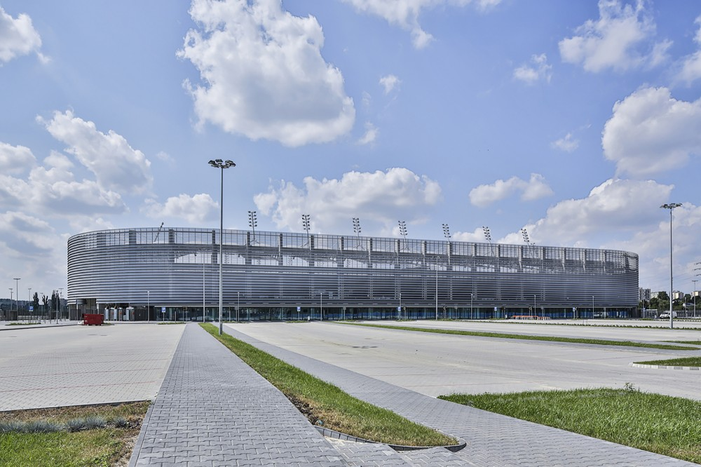 http://ad009cdnb.archdaily.net/wp-content/uploads/2014/11/5477ba90e58ecebd8400001d_lublin-city-stadium-estudio-lamela__m_05351-1000x666.jpg