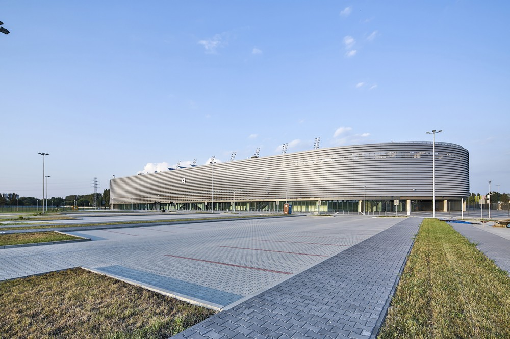 http://ad009cdnb.archdaily.net/wp-content/uploads/2014/11/5477bb6fe58ece4c5900001c_lublin-city-stadium-estudio-lamela__m_05772-1000x666.jpg