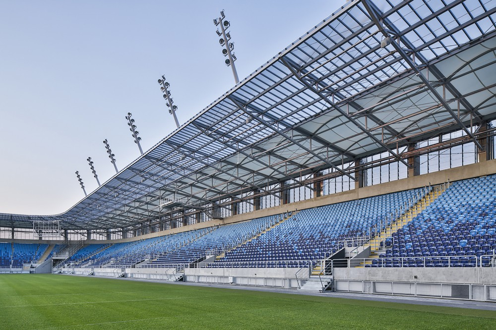 http://ad009cdnb.archdaily.net/wp-content/uploads/2014/11/5477bbabe58ece9858000021_lublin-city-stadium-estudio-lamela__m_05870-1000x666.jpg