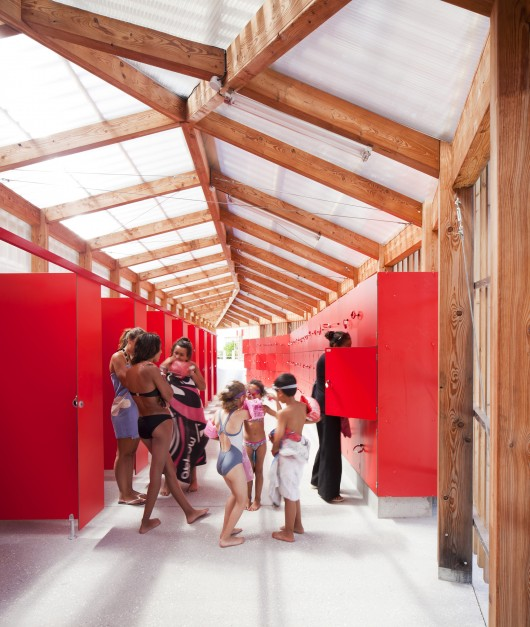 th tre d eau swimming pool log architectes archdaily. Black Bedroom Furniture Sets. Home Design Ideas