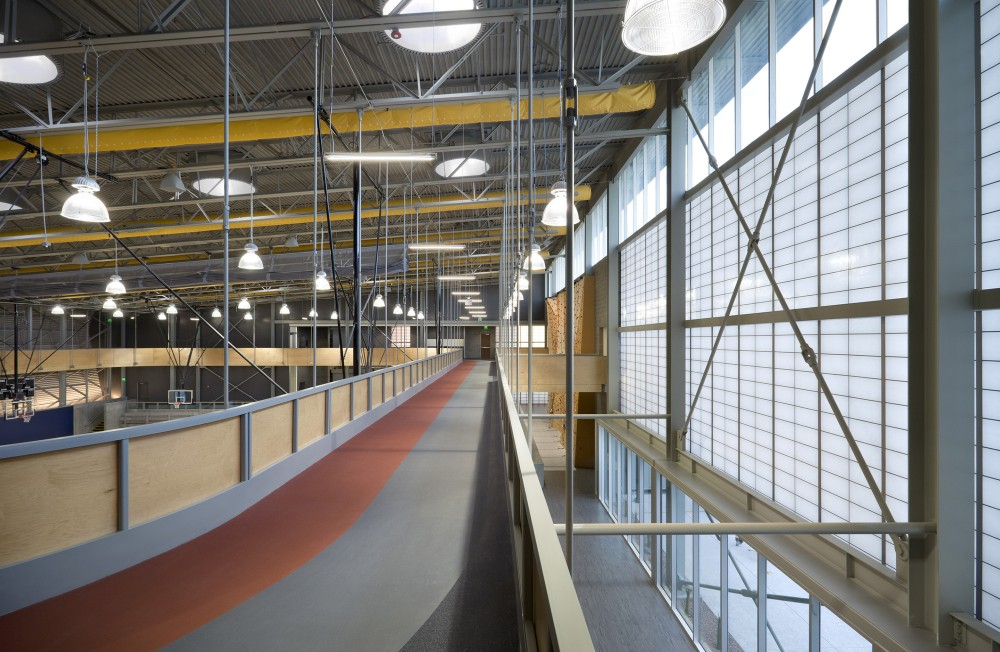 http://ad009cdnb.archdaily.net/wp-content/uploads/2015/01/54b74eb9e58ecee5db000068_sport-and-fitness-center-for-disabled-people-baldinger-architectural-studio_020_2nd_floor_track-1000x652.jpg