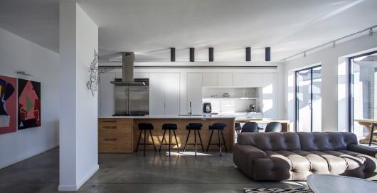 "A Modern ""Kibbutz"" House / Henkin Shavit Architecture & Design 54bf25a5e58eceef700001d6 a modern kibbutz house henkin shavit architecture design hi 03 530x271"