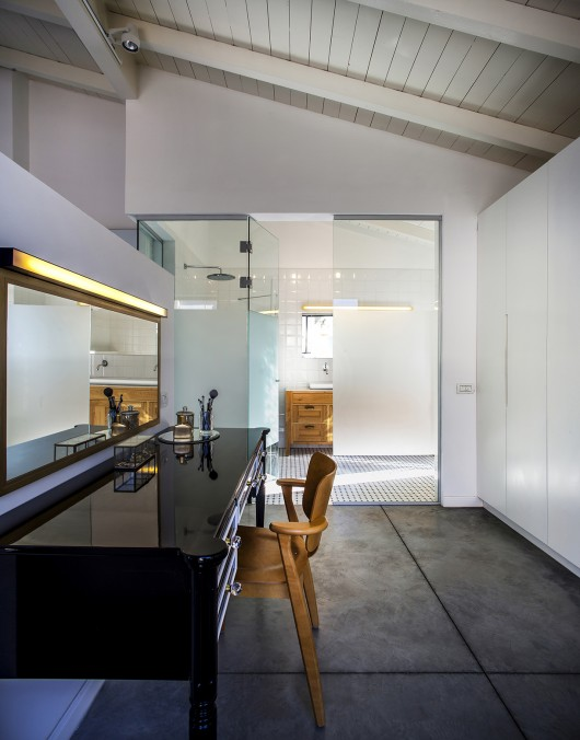 "A Modern ""Kibbutz"" House / Henkin Shavit Architecture & Design 54bf265fe58eceef700001da a modern kibbutz house henkin shavit architecture design hi 30 530x676"