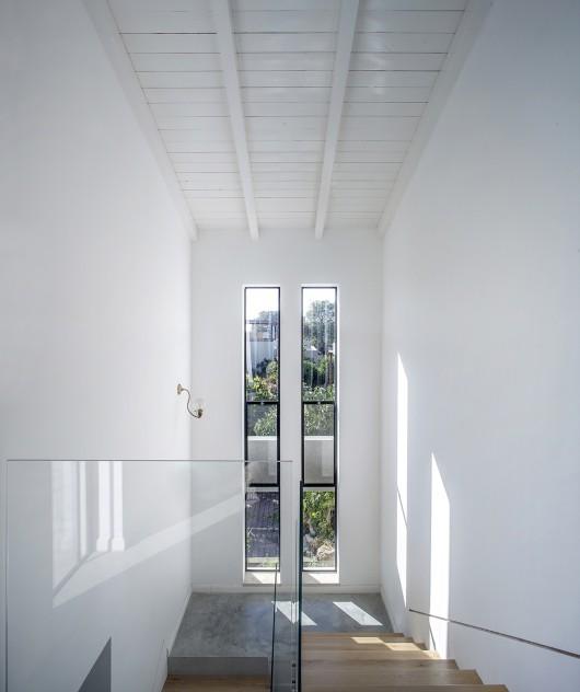 "A Modern ""Kibbutz"" House / Henkin Shavit Architecture & Design 54bf2705e58eceef700001e1 a modern kibbutz house henkin shavit architecture design hi 36 530x632"