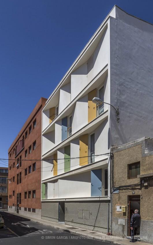 8 inscribed houses and three courtyards romera y ruiz - Garcia ruiz arquitectos ...