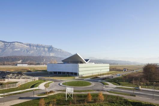 طراحی مرکز پایدار بین المللی انرژی های طبیعی