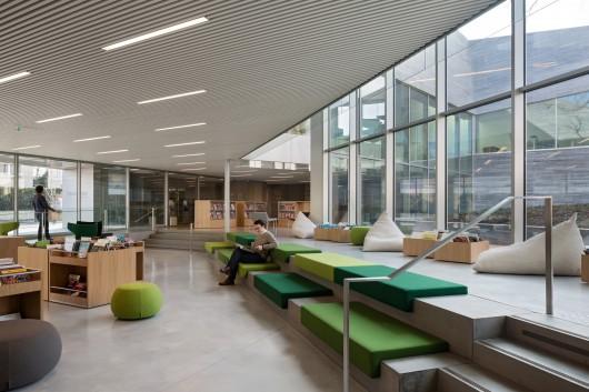 طراحی کتابخانه و مرکز رسانه ای