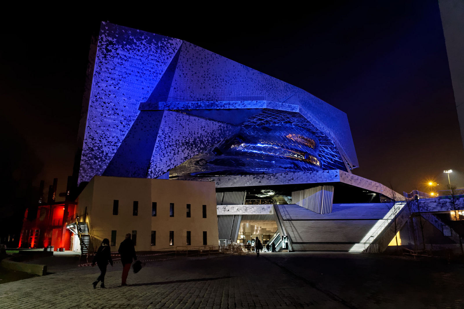 http://ad009cdnb.archdaily.net/wp-content/uploads/2015/04/55355c82e58ecee00800037e_jean-nouvel-loses-court-case-to-remove-his-name-from-philharmonie-de-paris_1.jpg
