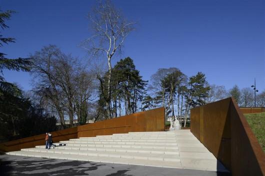 a rememberance site parc des glacis 2 3 4 archdaily. Black Bedroom Furniture Sets. Home Design Ideas
