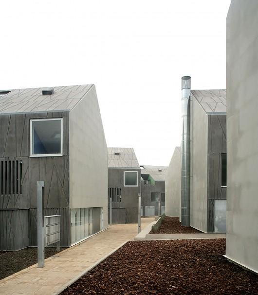 public housing vpo in ciudad real rojo fern ndez shaw. Black Bedroom Furniture Sets. Home Design Ideas