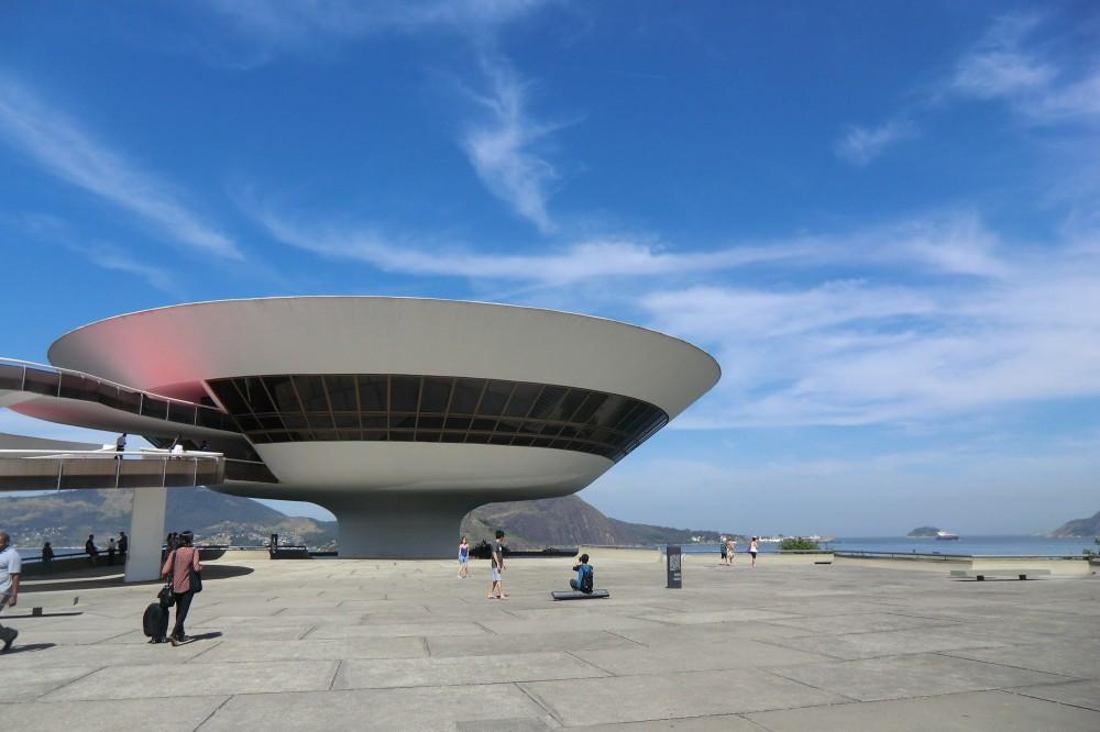 Image result for موزه اسکار نیمییر، برزیل