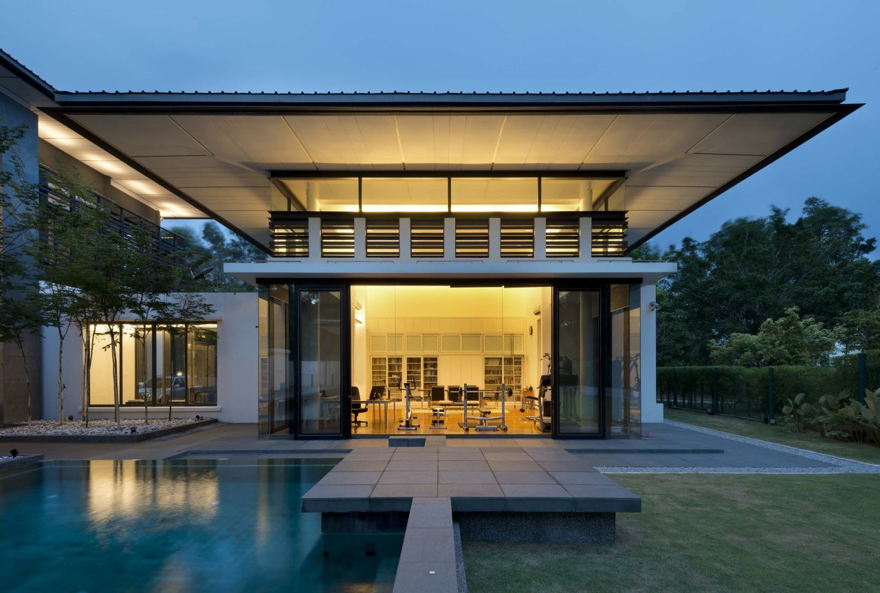 Lots of roof overhang provides plenty of shade for this house on the outskirts of Kuala Lumpur. Zeta House by 29 Design