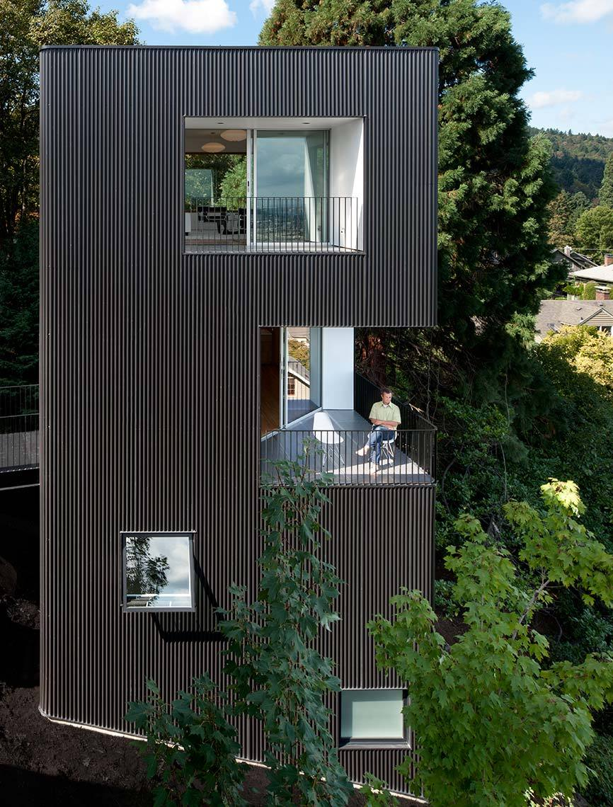 Tower house by benjamin waechter architects for House plans with tower room